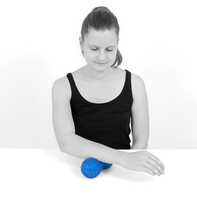 TheraPIE Peanut Massageball   Igelball mit Noppen   verschiedene Farben
